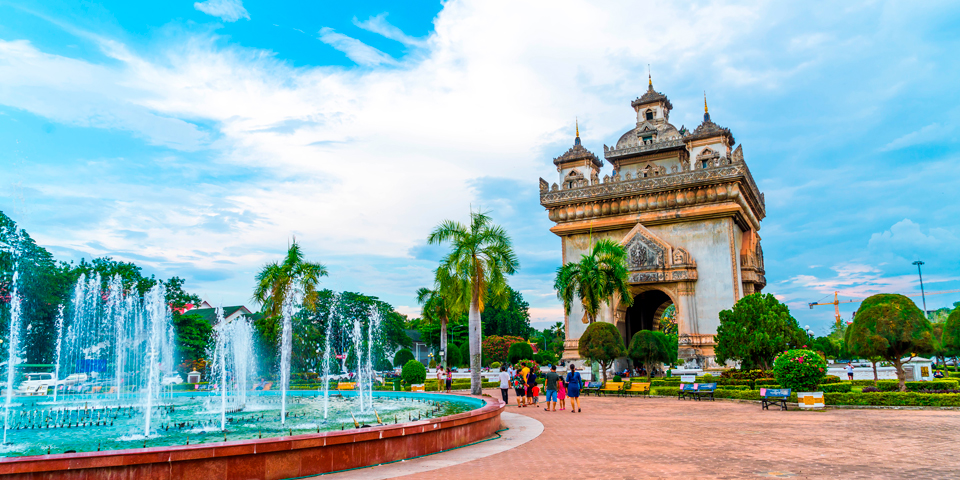 Triumfbuen Patuxay i Vientiane.