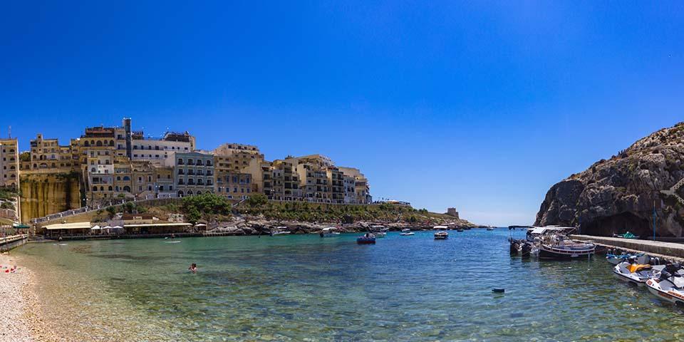 Den smukke Xlendi Bay på Gozo.