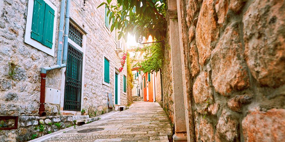 Herceg Novis charmerende gamle bydel.