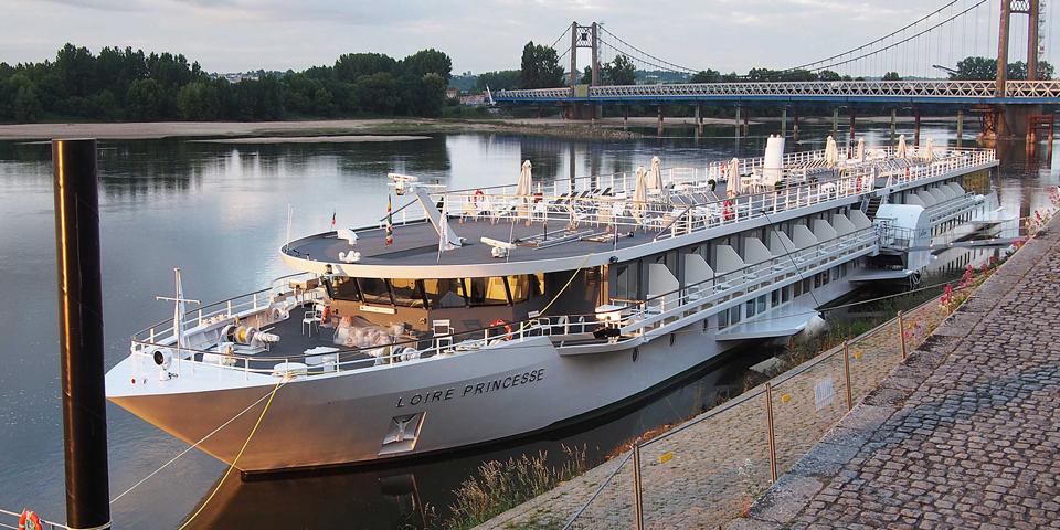 MS Loire Princesse ligger ved kaj.