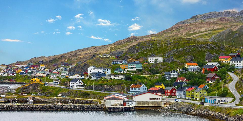 Idylliske Honningsvåg er hovedbyenpå Nordkapøen.