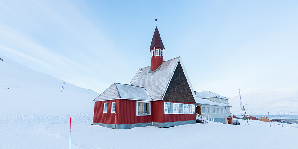Svalbard Kirke har åbent døgnet rundt, året rundt.