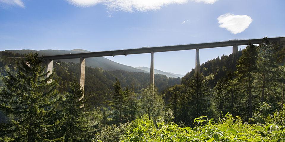 Europabroen over Wipp-dalen i Tyrol.