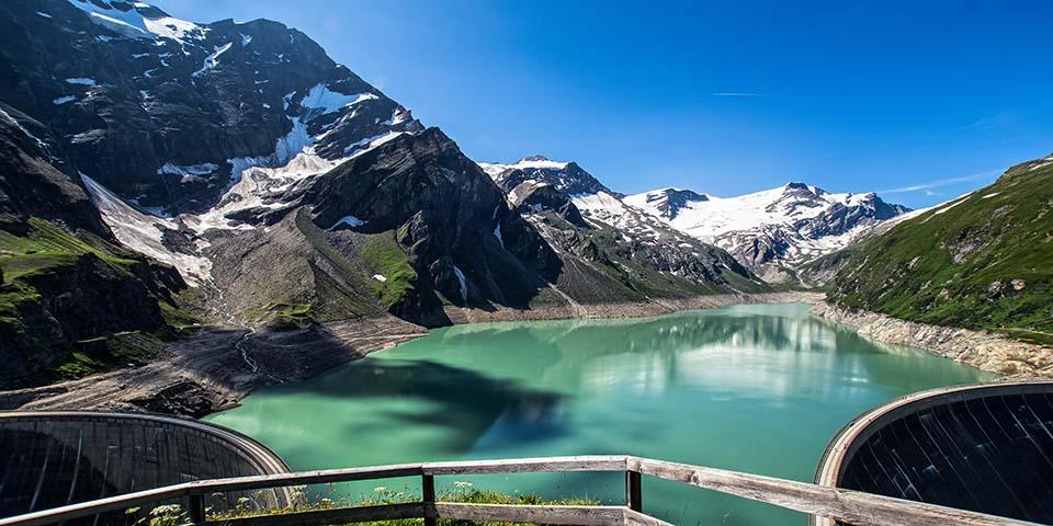 Kaprun med de mange opdømmede bjergsøer.