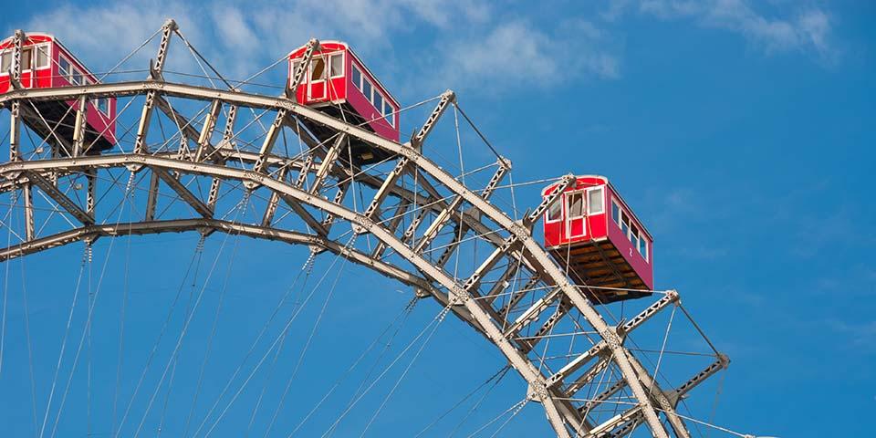 De store kabiner på pariserhjulet Riesenrad.