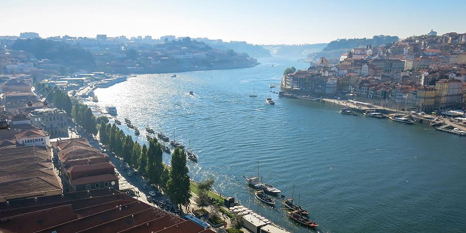Panorama over portvinsbyen Porto.