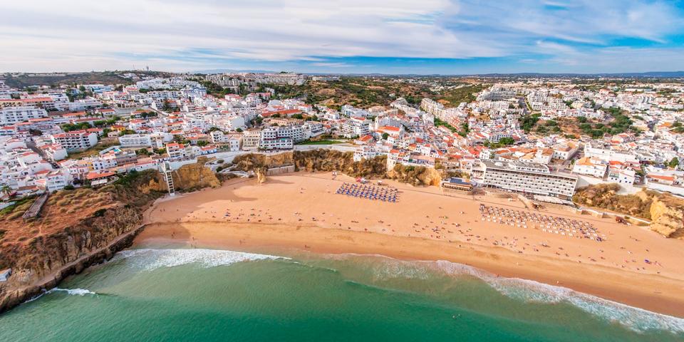 Luftfoto af smule Albufeira.