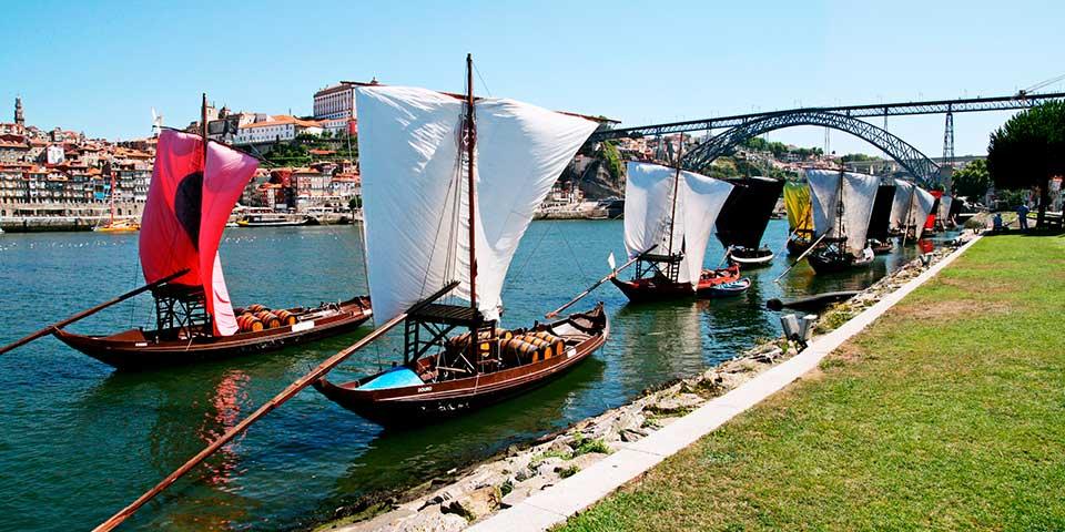 Traditionelle både på Dourofloden.
