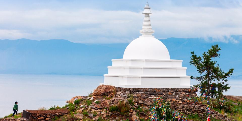 Den buddhistiske helligdom på øen Ogoj.
