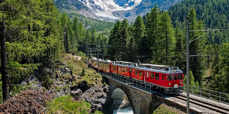 Berninaekspressen er en af de mest spektakulære togstrækninger i Europa.