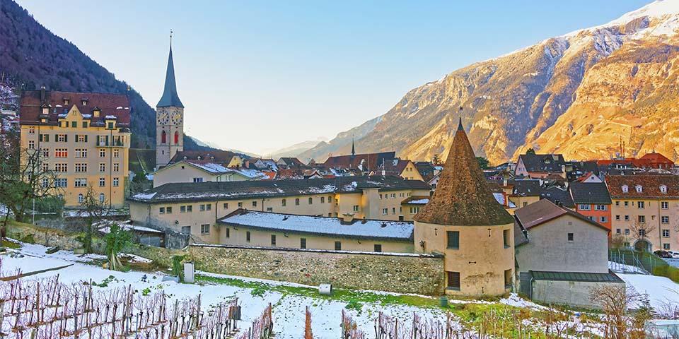 Chur med den 800 år gamle Skt. Maria-Katedral.
