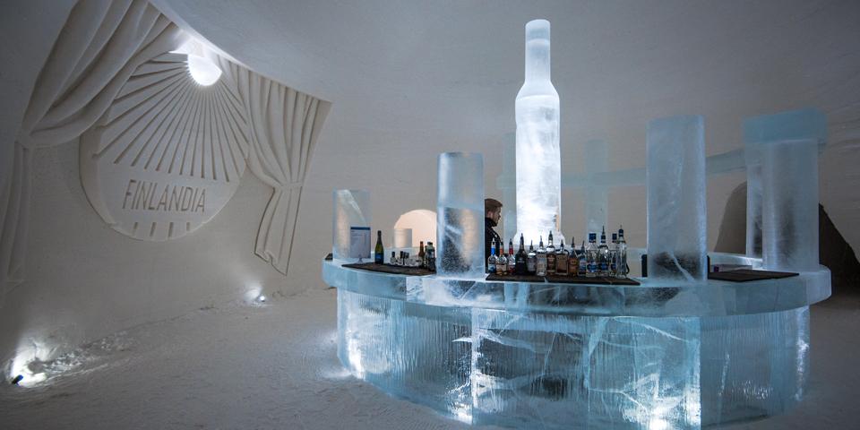 Isbaren i Snow Village.
