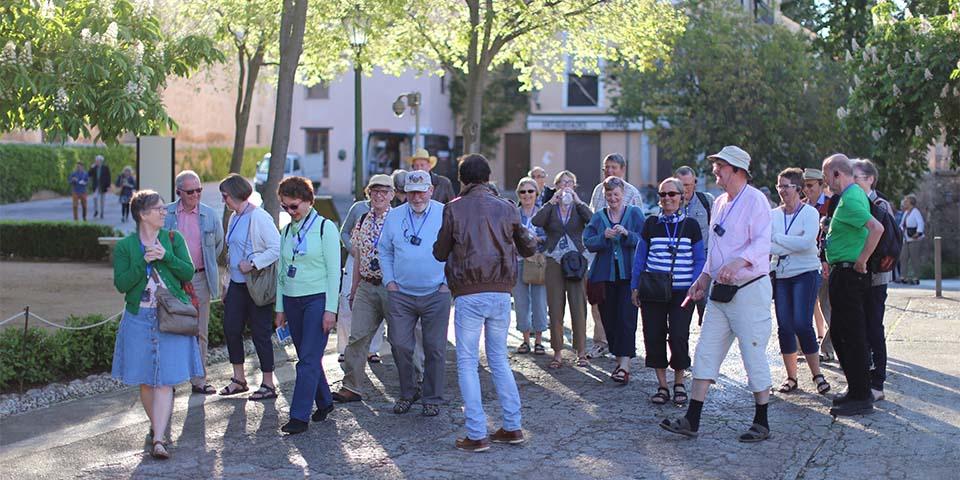 Få en spændende rundtur i Alhambra med en af vores dygtige lokalguider.