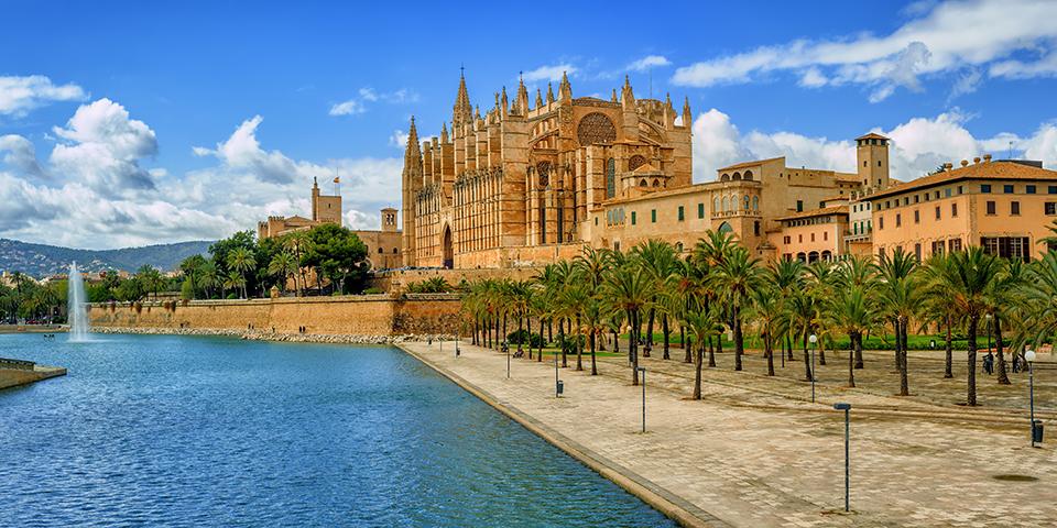 Den smukke katedral La Seu i Palma de Mallorca.
