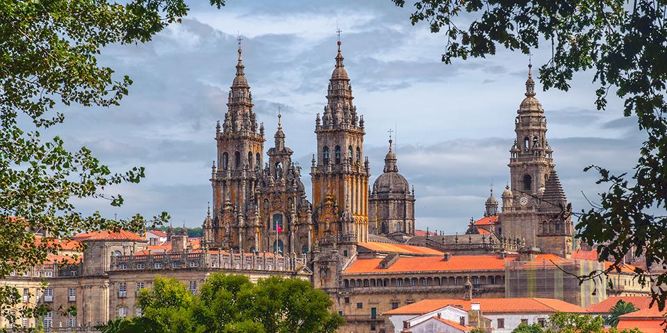 Katedralen i Santiago de Compostela markerer vandringens endestation.