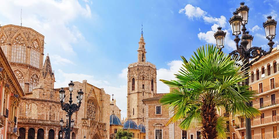 Valencias smukke katedral ligger i middelalderkvateret El Carmen.