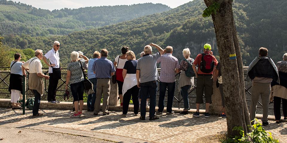 Udsigt over dalen og akvædukten i Spoleto.