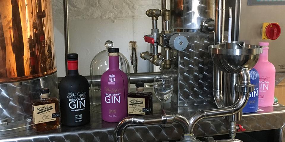 På besøg hos Burleighs Gin.