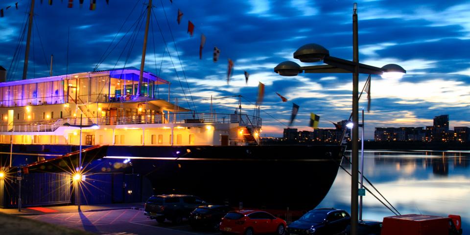 Det britiske kongeskib Britannia.
