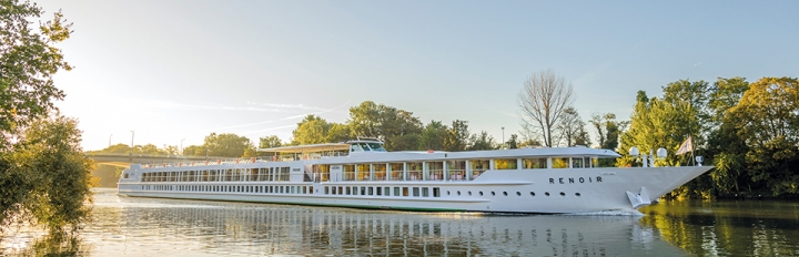 Det elegante og 5-stjernede skib MS Renoir.