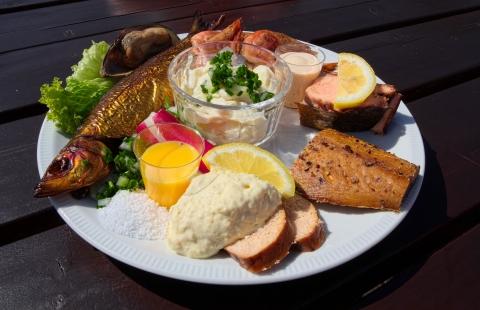 En lækker bornholmsk frokosttallerken.