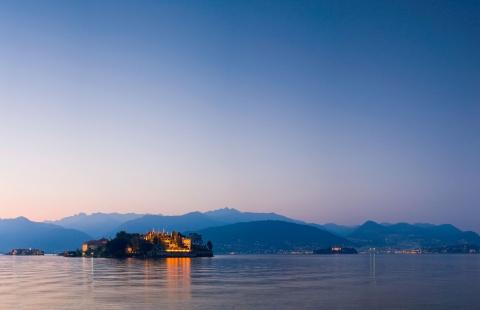 Solnedgang over Lago Maggiore.