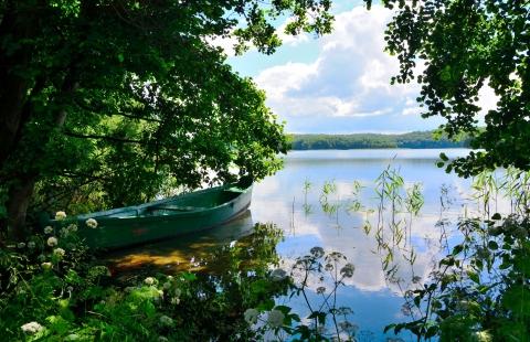 Grøn båd på Barlinek sø.