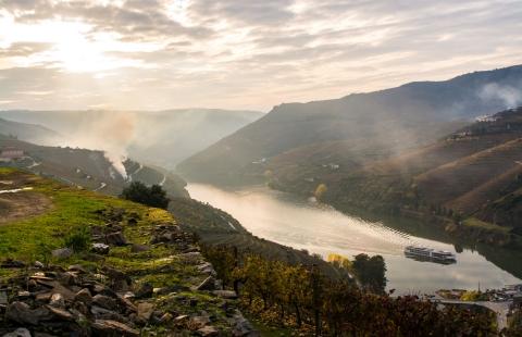 Skib på smukke Douro.