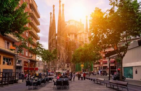 Solnedgang bag La Sagrada Familia.