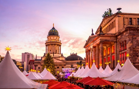 Julemarked på Gendarmenmarkt plads i Berlin.