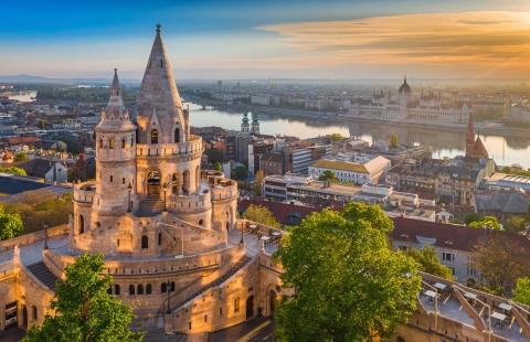 Udsigt over Donau fra Fisterbastionen i Budapest.