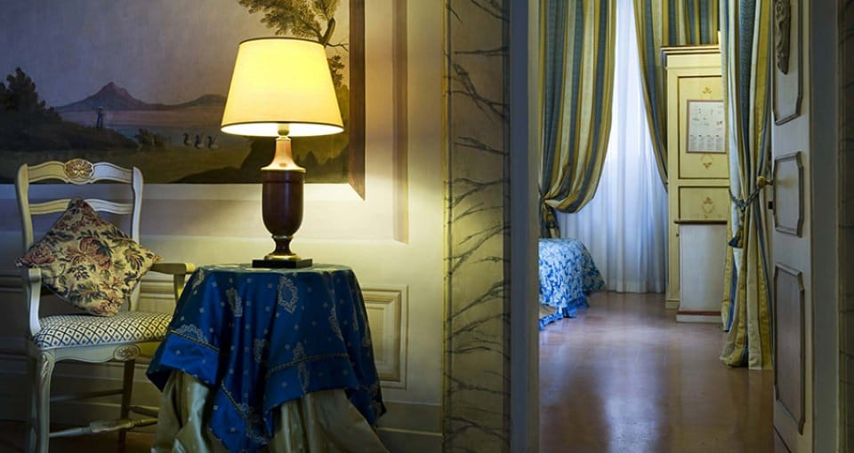 Smukt interiør på Hotel Antica Dimora alla Rocca.