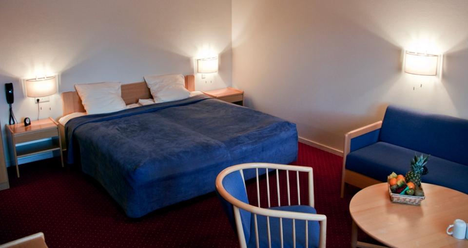 Stort dobbeltværelse på Agerskov Kro & Hotel.
