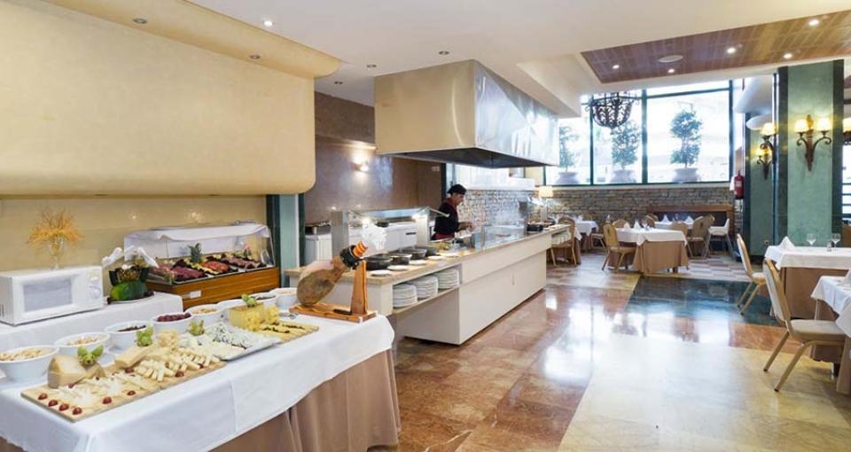 Den hyggelig restaurant på MS Aguamarina Suites.