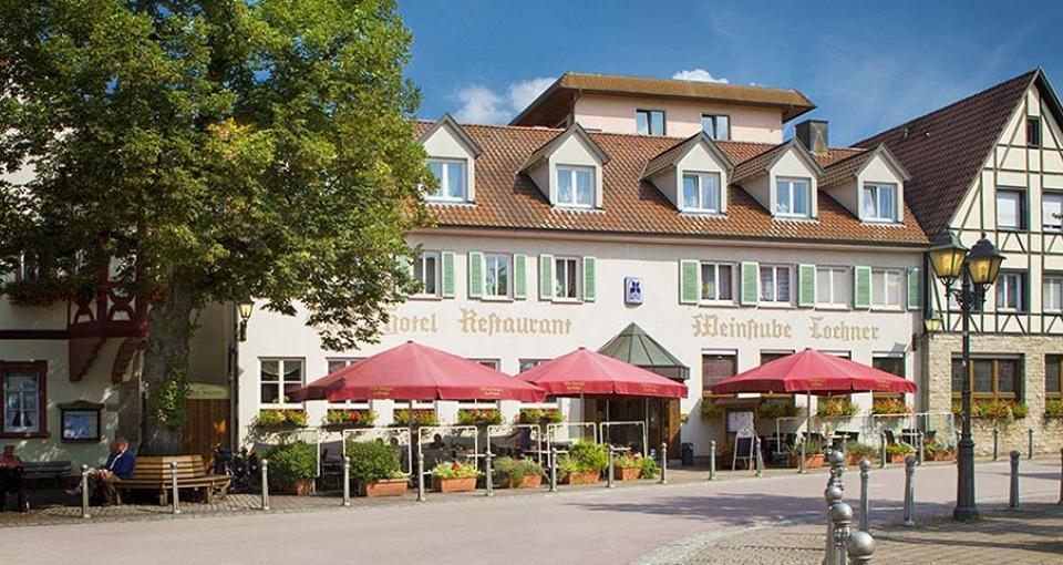 Det hyggeligt familiedrevet hotel, midt på torvet i Markelsheim.