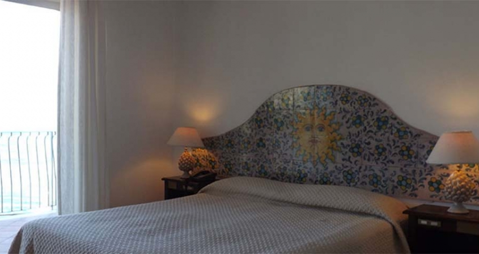 Alle værelserne på Hotel Bay Palace er med havudsigt.