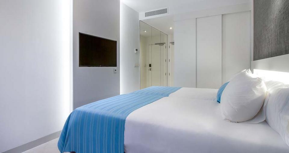 Eksempel på et enkeltværelse på Suitopía Sol y Mar Suites Hotel.