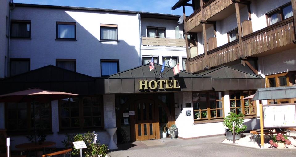 Hotel Zum Schwalbennest.
