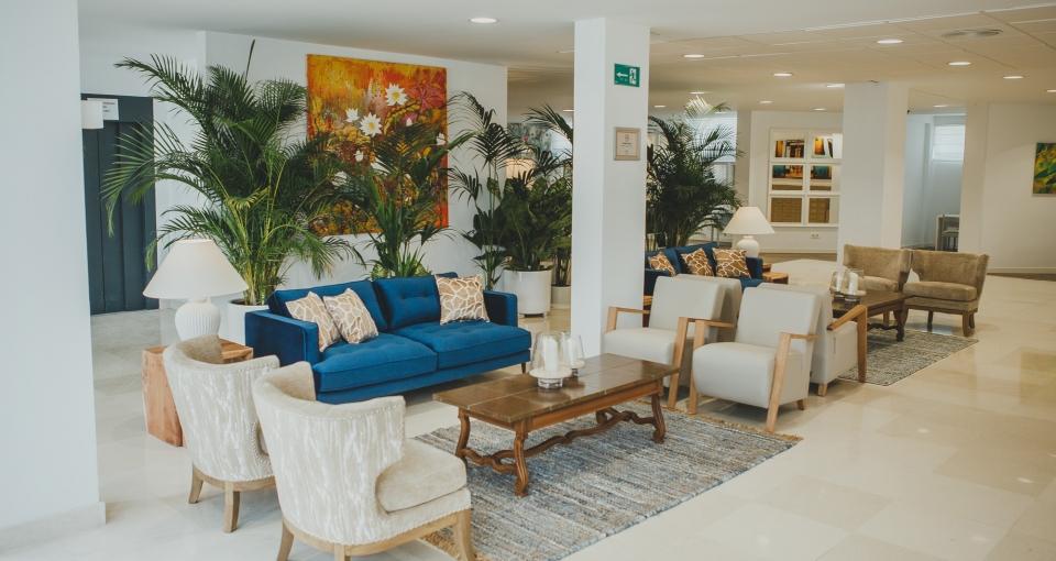 Lobbyområde på Hotel Alay.