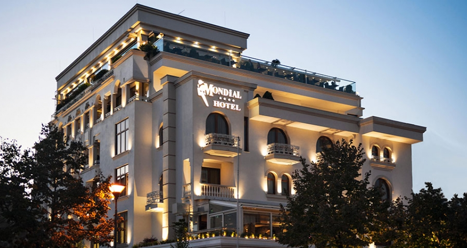Hotel Mondial.