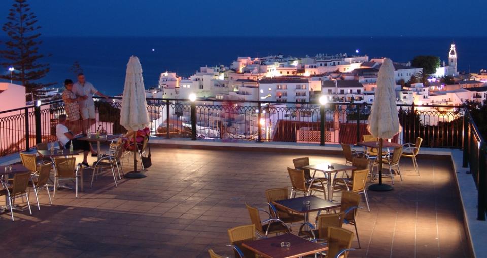 Udendørs teresse på Hotel Cerro Mar Garden.