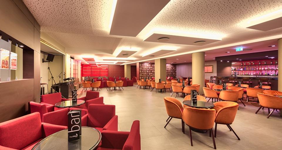 Den hyggelige bar på Four Views Monumental Lido.