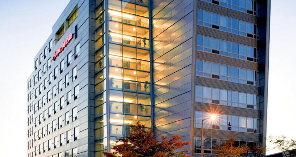 Hampton Inn & Suites by Hilton Crosstown Center.
