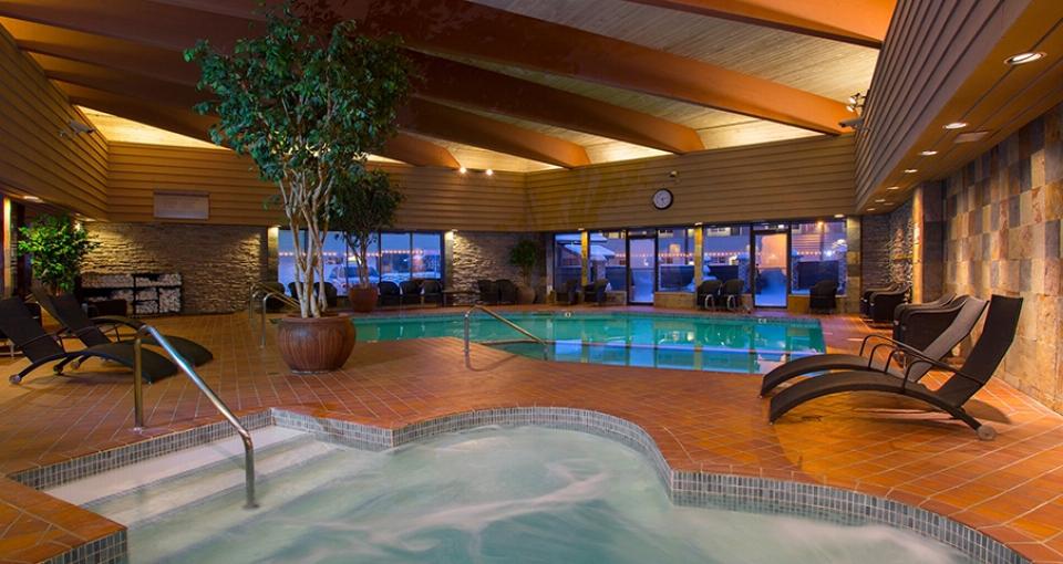 På Jasper Inn findes en dejlig indendørs pool.