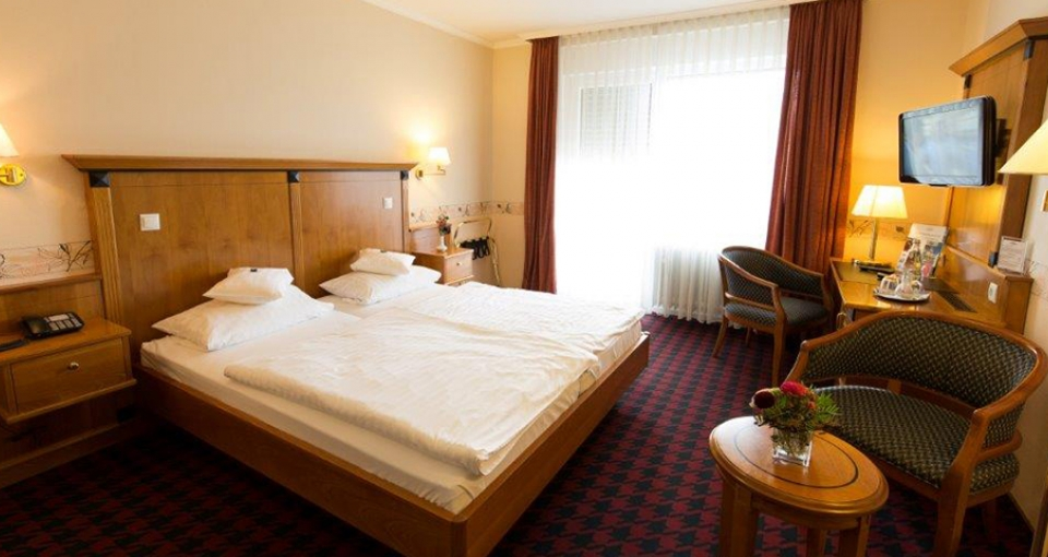 Stort dobbeltværelse på Hotel Krupp.
