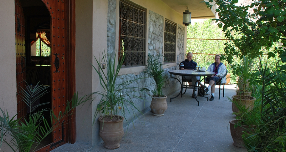 Terrasse på vores hyggelige guest house.