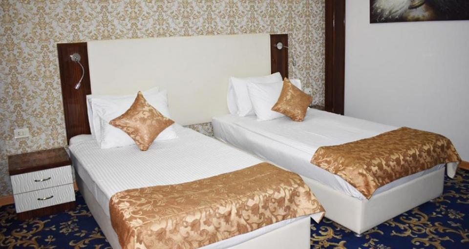 Eksempel på dobbeltværelse på Hotel Royal Plaza i Jerevan.