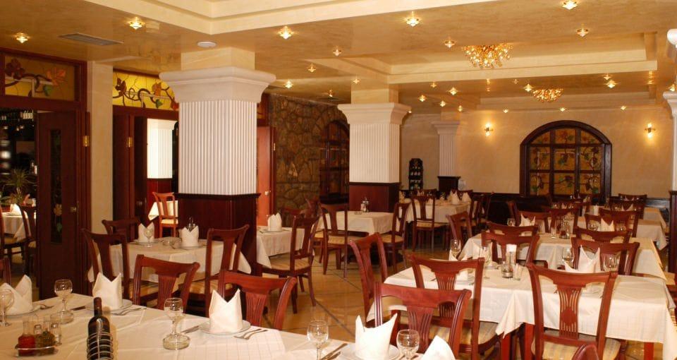 Restauranten på Hotel Tino.