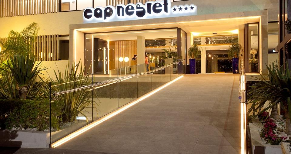 Indgangen til Hotel Cap Negret.