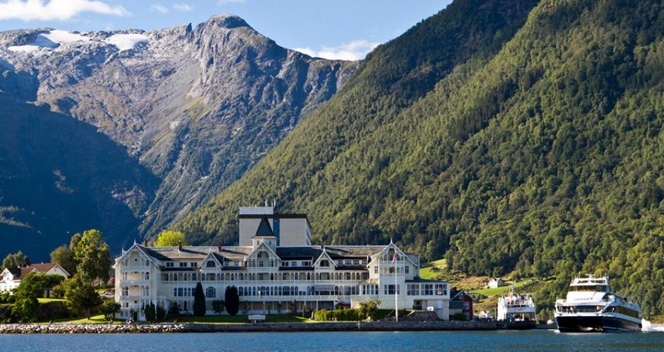 Velkommen til Hotel Kviknes.